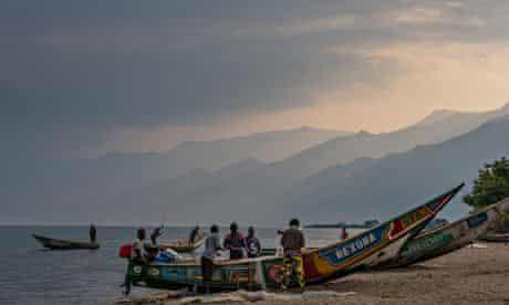 Soco International Oil Exploration Threatens Virunga National Park : fishing village of Kavanyongi