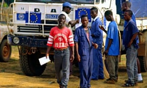 MDG : EU aid in Liberia : Local workers in European Union aid compound