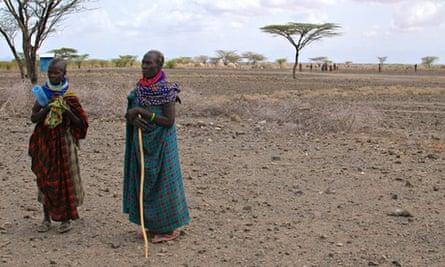 MDG : Drought in Turkana, Kenya : Two women in Nayanae'angikalalio