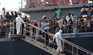 MDG : Illegal Immigrants rescue : Syrian refugees crossing to Europe