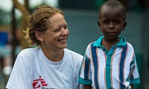 MDG : Ane Bjøru Fjeldsæter, an MSF Mental Health Manager from Norway, with Ebola survivor Patrick