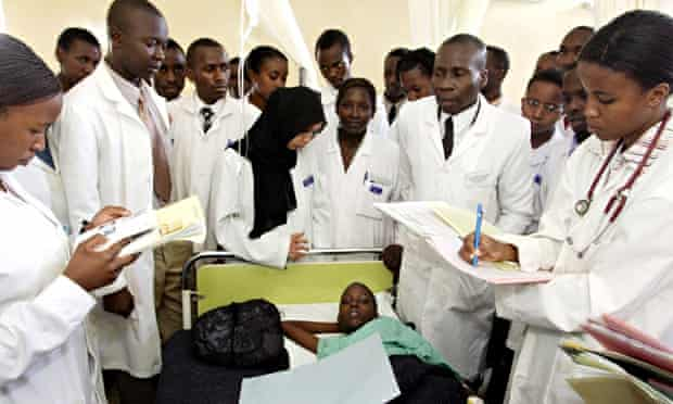 MDG : Woman and gender equality : Doctors visits to a patient at Moi University Hospital, Kenya