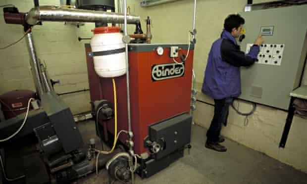 Biomass boiler : Woodchip boiler enough to heat six semi detached houses