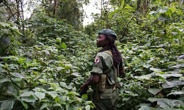 MDG : Female ranger in Virunga national park