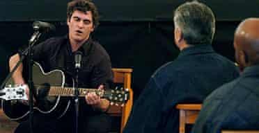 Joaquin Phoenix performs Johnny Cash at Folsom county prison