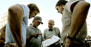 Steven Spielberg with Daniel Craig, Hans Zischler and Eric Bana on the set of Munich