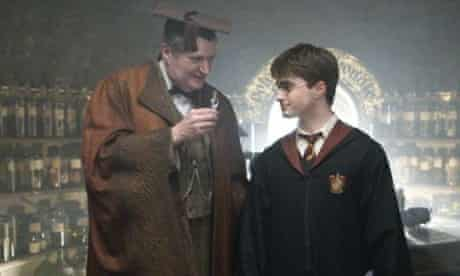 Daniel Radcliffe and Jim Broadbent in Harry Potter and the Half-Blood Prince
