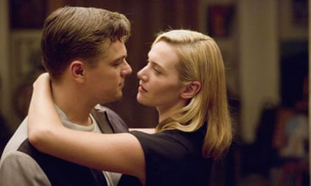 Leonardo Di Caprio and Kate Winslet in a clinch in Revolutionary Road