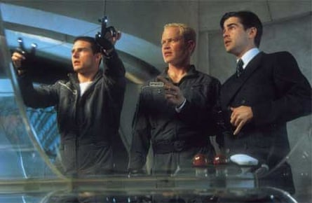 Tom Cruise and Colin Farrell in Minority Report