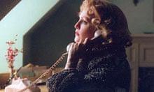 Julianne Moore in Far from Heaven