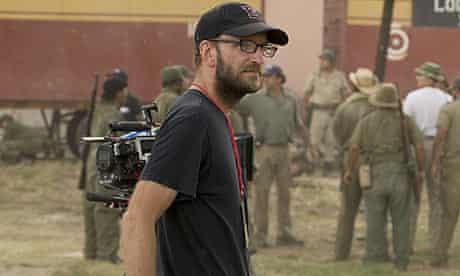 Steven Soderbergh on the set of Che