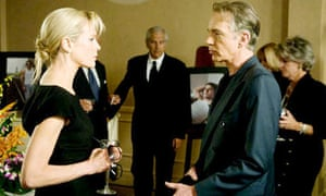 Kim Basinger and Billy Bob Thornton in The Informers
