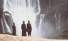 Jeremy Irons in front of Iguazu Falls, Argentina in The Mission