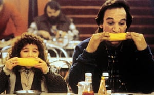 Alisan Porter and James Belushi in Curly Sue (1991), directed by John Hughes