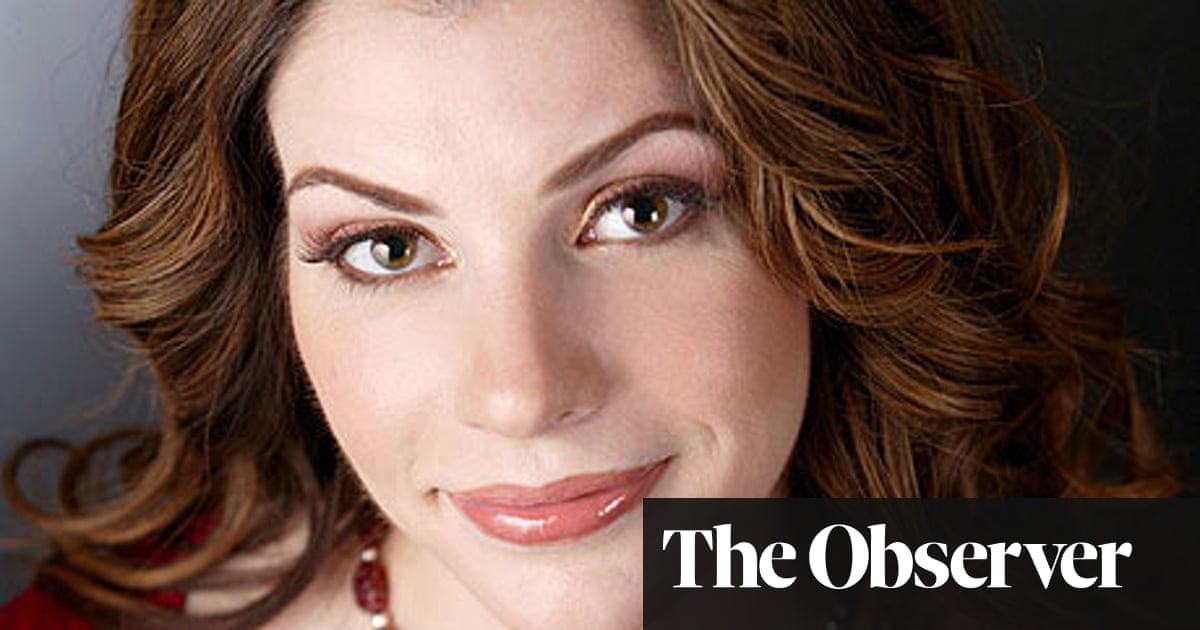 Stephenie Meyer - a squeaky-clean vampire queen | Books