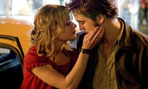 Emilie de Ravin and Robert Pattinson in Remember Me