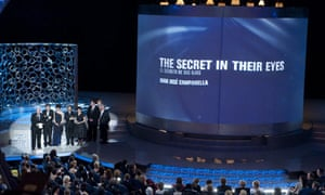 Oscars 2010: Juan José Campanella accepts the award for best foreign language film