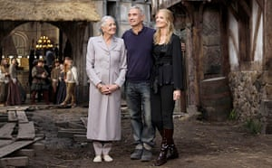 Roland Emmerich, Vanessa Redgrave, Joely Richardson on the set of Anonymous
