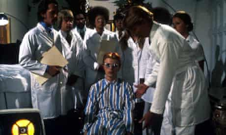 Bowie in The Man Who Fell to Earth