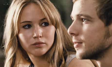 Jennifer Lawrence as Elissa and Max Thieriot as Ryan in The House at the End of the Street