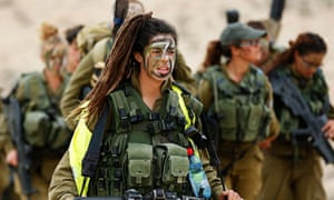 A female Israeli soldier of the Caracal battalion in the Negev desert