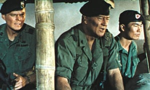 Edward Faulkner, John Wayne and George Takei in The Green Berets da9c516e854