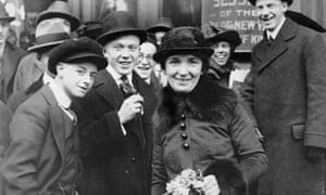 Margaret Sanger outside a court in New York on 4 January 1917. She was on trial for her teachings on