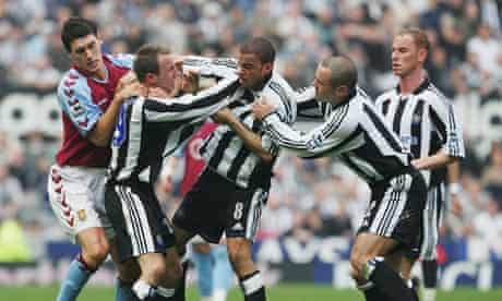 Lee Bowyer and Kieron Dyer of Newcastle come to blows