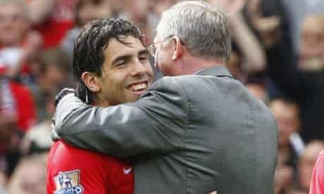 Manchester United's Alex Ferguson and Carlos Tevez