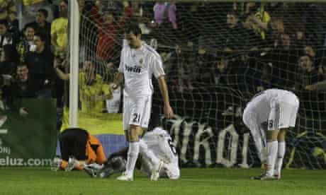 Real Madrid's Cristoph Metzelder looks dejected as Alcorcon heap misery on the Spanish giants