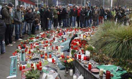 Fans mourn the death of Robert Enke