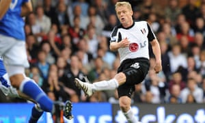 Damien Duff scores Fulham's winning goal against Everton at Craven Cottage
