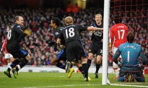 Manchester United players celebrate Nani's opening goal