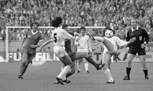Karoly Palotai referees the 1981 European Cup final in Paris between Liverpool and Real Madrid