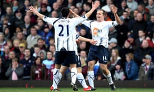 Kevin Davies celebrates scoring with Bolton Wanderers team-mate Tamir Cohen