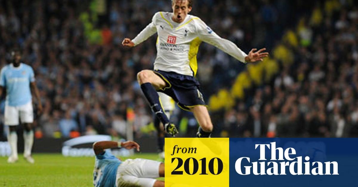 Premier League Fixtures 2010 11 Liverpool Host Arsenal On Opening Day Premier League The Guardian
