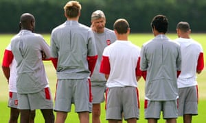 Arsène Wenger and Arsenal players