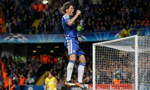 Fernando Torres celebrates his second goal