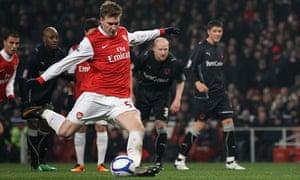 Arsenal-Nicklas-Bendtner-Leyton-Orient- FA-Cup