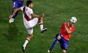 Josepmir Ballón and Chile's Gonzalo Fierro