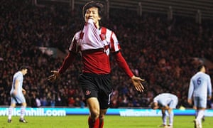Ji Dong-won celebrates after scoring Sunderland s winning goal deep into  injury-time against Manchester City. Photograph  Lee Smith Action Images eb97f7f99d789