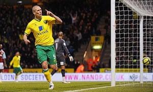 Steve Morison scores Norwich City's fourth goal against Burnley