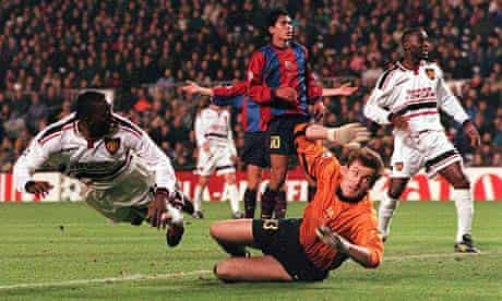Dwight Yorke heads Manchester United's third goal in Camp Nou