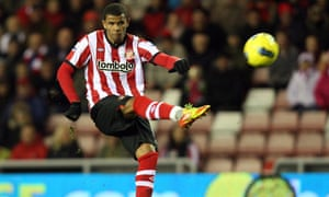 Sunderland's Fraizer Campbell scored a wonderful opening goal from just outside the area