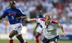 Paul Scholes in action for England in 2004