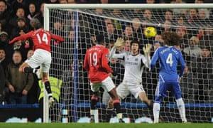 Javier Hernandez scores a late equalising header for Manchester United
