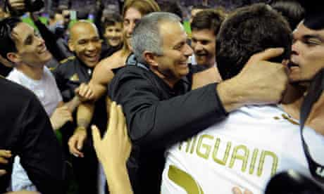 The Real Madrid coach, José Mourinho, celebrates with his player