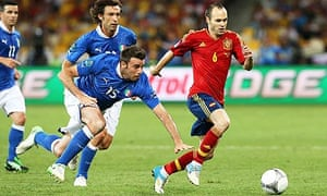 The midfielder Andrés Iniesta, right, was at the forefront of a stunning display against Italy