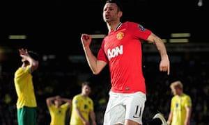 Ryan Giggs celebrates a last-minute goal scored at Norwich