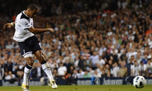Hull City are hoping to sign Tom Huddlestone from Tottenham to bolster their midfield